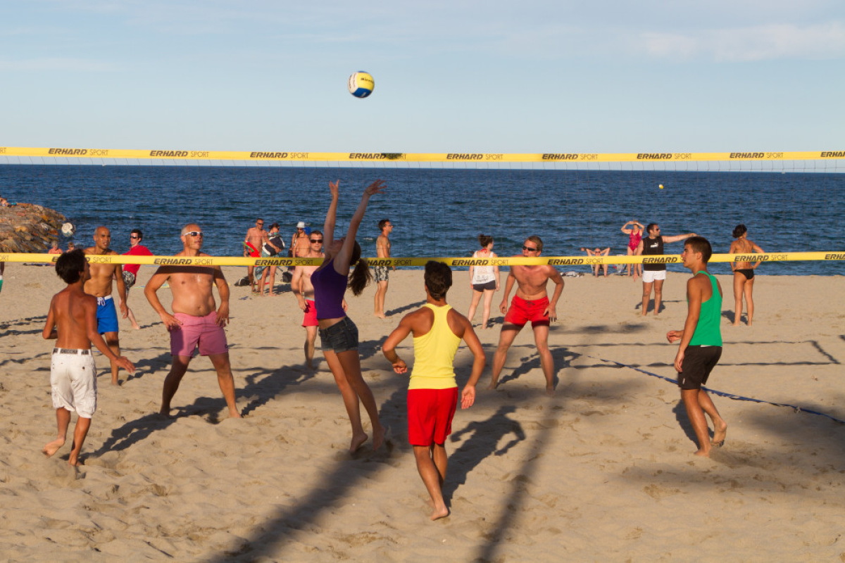 le programme des animations de Saint Cyprien : Saint-Cyp Beach Volley